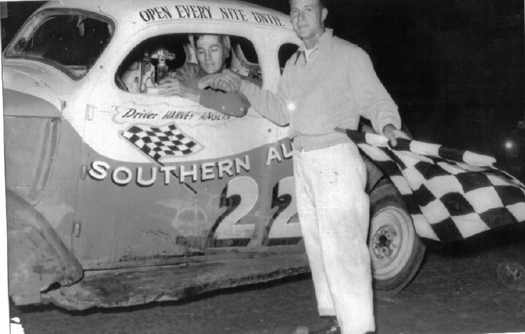 Harvey Anglin in victory lane - Peach Bowl Speedway