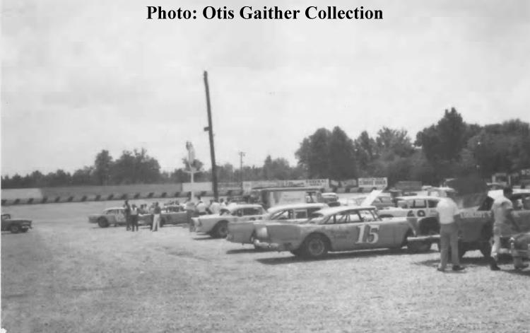 1964 July - Boyds Speedway pit area