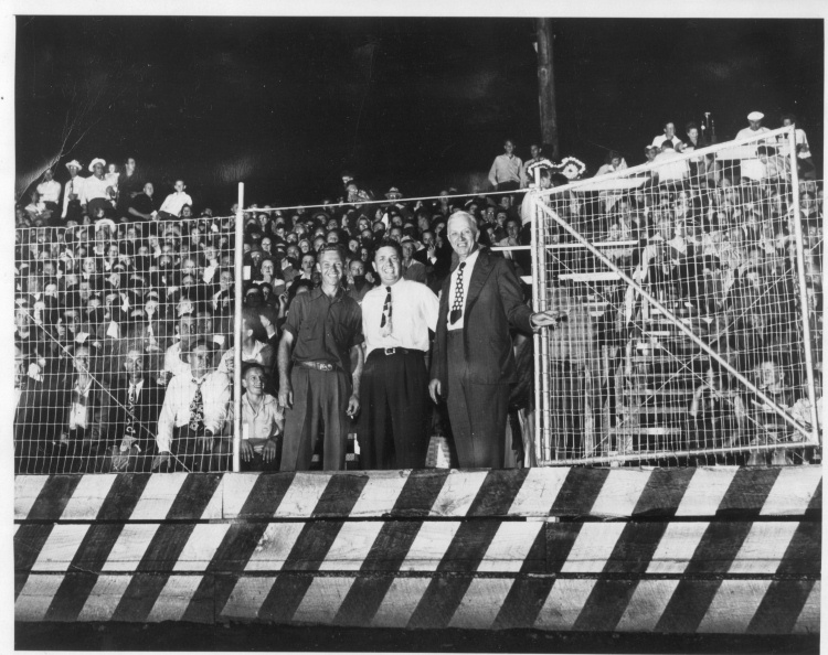 1949_-_Roy_Shoemaker,_Norm_Ash,_&_Unk_-_Peach_Bowl_Grand_opening