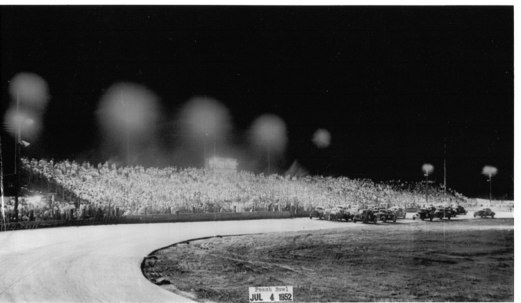 1952_-_Peach_Bowl_Speedway_July_4th